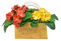 συμπεριλαμβανόμενο λουλούδια μονοπάτι τσαντών Στοκ φωτογραφία με δικαίωμα ελεύθερης χρήσης