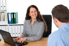 Συνέντευξη παροχής συμβουλών στοκ φωτογραφίες