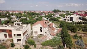 Συνέπειες μιας καθίζησης εδάφους στην πόλη Chernomorsk, Ουκρανία Άποψη ματιών πουλιών ` s απόθεμα βίντεο