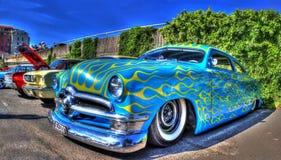 Συνήθεια που χρωματίζεται η αμερικανική δεκαετία του '50 Ford Customline Στοκ φωτογραφία με δικαίωμα ελεύθερης χρήσης