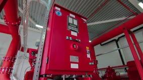 Συναγερμός βιομηχανικής και πυρκαγιάς οικοδόμησης και σύστημα ψεκαστήρων νερού απόθεμα βίντεο
