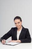 Συναισθηματική επιχειρησιακή κυρία με τα έγγραφα Στοκ εικόνα με δικαίωμα ελεύθερης χρήσης