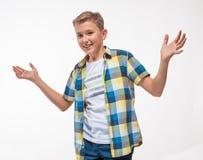 Συναισθηματικό αγόρι σε ένα πουκάμισο καρό Στοκ φωτογραφίες με δικαίωμα ελεύθερης χρήσης