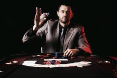 Συναισθηματικό υψηλό πόκερ πασσάλων player Στοκ Φωτογραφία