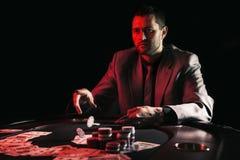 Συναισθηματικό υψηλό πόκερ πασσάλων player Στοκ Εικόνα
