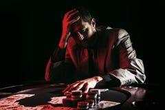 Συναισθηματικό υψηλό πόκερ πασσάλων player Στοκ εικόνες με δικαίωμα ελεύθερης χρήσης