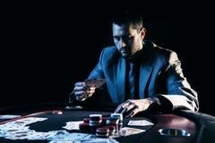 Συναισθηματικό υψηλό πόκερ πασσάλων player Στοκ Εικόνες