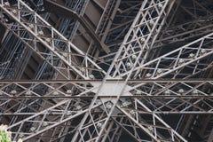 Συναρμολογήσεις δομικών μετάλλων του πύργου του Άιφελ Στοκ Φωτογραφίες