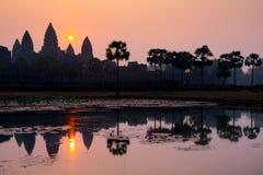 Συναρπαστική ανατολή στο antient παλαιό ναό Angkor Wat, Καμπότζη Στοκ εικόνα με δικαίωμα ελεύθερης χρήσης
