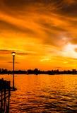 Συναρπαστικό ηλιοβασίλεμα και δραματικός ουρανός Στοκ φωτογραφίες με δικαίωμα ελεύθερης χρήσης