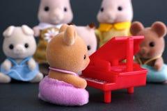 Συναυλία οικογενειακών πιάνων Sylvanian στοκ εικόνα με δικαίωμα ελεύθερης χρήσης