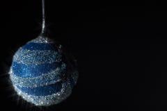 Συναυλία Χριστουγέννων με τα μπλε εξαρτήματα Στοκ Φωτογραφίες