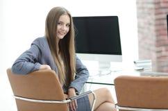 Συνεδρίαση διευθυντών γυναικών στον εργασιακό χώρο Στοκ εικόνες με δικαίωμα ελεύθερης χρήσης