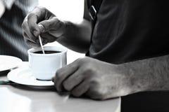 συνεδρίαση του καφέ σπασιμάτων στοκ φωτογραφίες