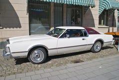 Συνεδρίαση των αυτοκινήτων AM (ηπειρωτικό σημάδι IV 1976 του Λίνκολν) Στοκ εικόνες με δικαίωμα ελεύθερης χρήσης
