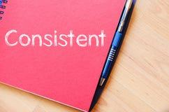 Συνεπής γράψτε στο σημειωματάριο στοκ εικόνα με δικαίωμα ελεύθερης χρήσης