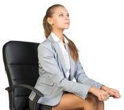 Συνεδρίαση επιχειρηματιών στην καρέκλα γραφείων με Στοκ φωτογραφίες με δικαίωμα ελεύθερης χρήσης