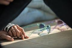Συνεδρίαση ζευγών αγάπης σε ετοιμότητα εκμετάλλευσης πατωμάτων Στοκ εικόνες με δικαίωμα ελεύθερης χρήσης