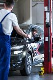 συνεδρίαση πελατών στο αυτοκίνητοη Στοκ Εικόνες