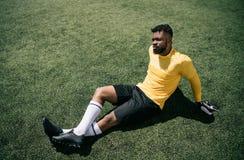 Συνεδρίαση τερματοφυλακάων αφροαμερικάνων στην πίσσα ποδοσφαίρου Στοκ Φωτογραφία