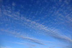 Συννεφιάζω ουρανός φωτός της ημέρας Στοκ Φωτογραφία