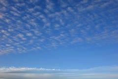Συννεφιάζω ουρανός φωτός της ημέρας Στοκ φωτογραφία με δικαίωμα ελεύθερης χρήσης