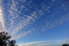 Συννεφιάζω ουρανός φωτός της ημέρας Στοκ εικόνες με δικαίωμα ελεύθερης χρήσης