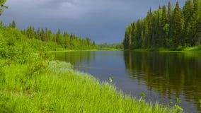 Συννεφιασμένος στην προσιτότητα ποταμών φιλμ μικρού μήκους