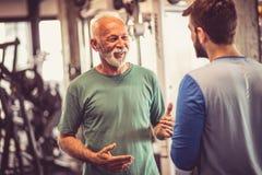 Συνομιλία στη γυμναστική στοκ φωτογραφίες