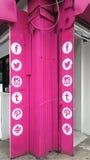 συνομιλίες έννοιας επικοινωνίας δεσμών που έχουν τους ανθρώπους μέσων κοινωνικούς Στοκ εικόνες με δικαίωμα ελεύθερης χρήσης