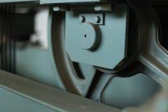 Συντήρηση άξονων ανελκυστήρων έλεγχος καλωδίων Στοκ Φωτογραφία