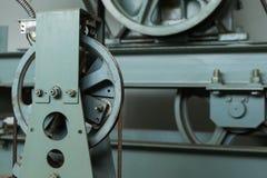 Συντήρηση άξονων ανελκυστήρων έλεγχος καλωδίων Στοκ Εικόνες