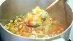 Συντήρηση των λαχανικών για το χειμώνα απόθεμα βίντεο