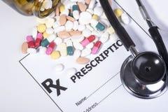 Συνταγή για τα φάρμακα ενάντια στις ασθένειες Στοκ φωτογραφία με δικαίωμα ελεύθερης χρήσης