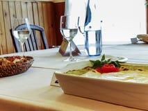 Συνταγή με το τυρί εξοχικών σπιτιών στοκ φωτογραφία με δικαίωμα ελεύθερης χρήσης