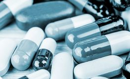 Συνταγή φαρμάκων για το φάρμακο επεξεργασίας Φαρμακευτικό φάρμακο, θεραπεία στο εμπορευματοκιβώτιο για την υγεία Θέμα φαρμακείων, Στοκ φωτογραφίες με δικαίωμα ελεύθερης χρήσης