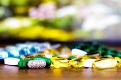 Συνταγή φαρμάκων για το φάρμακο επεξεργασίας Φαρμακευτικό φάρμακο, θεραπεία στο εμπορευματοκιβώτιο για την υγεία Θέμα φαρμακείων Στοκ εικόνες με δικαίωμα ελεύθερης χρήσης