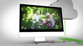 Συνταξιούχος κηπουρική ζευγών απόθεμα βίντεο