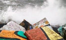 συντετριμμένα κύματα Στοκ Εικόνες