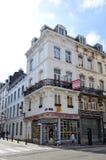 Συντηρημένα παλαιά κατοικημένα και εμπορικά κτήρια ευρωπαϊκός-ύφους στις οδούς της πόλης των Βρυξελλών, Βέλγιο Στοκ εικόνες με δικαίωμα ελεύθερης χρήσης
