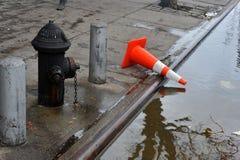 Συντρίμμια και πλημμύρα στο έδαφος στοκ εικόνα με δικαίωμα ελεύθερης χρήσης