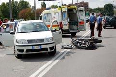 Συντριβή μοτοσικλετών στη αστική περιοχή Στοκ Εικόνες