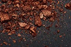 Συντριμμένα καφετιά κομμάτια σκονών σύνθεσης Στοκ εικόνα με δικαίωμα ελεύθερης χρήσης