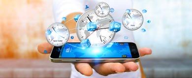 Συνδέοντας χρόνος επιχειρηματιών του κόσμου με το κινητό τηλέφωνό του Στοκ Εικόνες