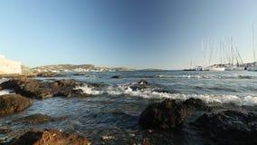 Συνδετήρας-σύνολο: η ελληνική ακτή, sailboat μαρίνα, κυματωγή, νησιά στην αιγαία και Μεσόγειο απόθεμα βίντεο