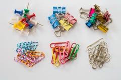 Συνδετήρες και καρφίτσες Στοκ εικόνα με δικαίωμα ελεύθερης χρήσης