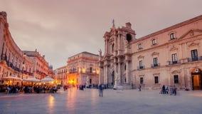 Συρακούσες, Σικελία, Ιταλία: το τετράγωνο καθεδρικών ναών στοκ εικόνα