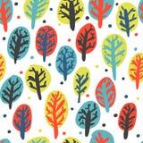 Συρμένα χέρι δέντρα φθινοπώρου της Νίκαιας σε πέντε χρώματα πρότυπο άνευ ραφής ελεύθερη απεικόνιση δικαιώματος