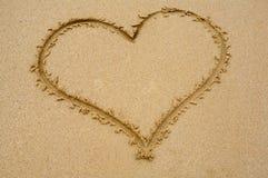 συρμένη άμμος καρδιών Στοκ φωτογραφία με δικαίωμα ελεύθερης χρήσης