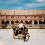 Συρμένη άλογο μεταφορά Plaza de Espana στη Σεβίλη Στοκ φωτογραφίες με δικαίωμα ελεύθερης χρήσης